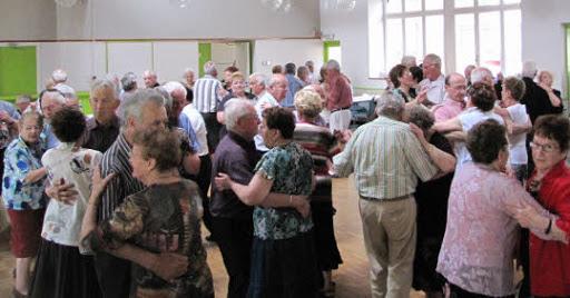 Dernier bal avant le Tyrol pour les Jeunes d'Autrefois